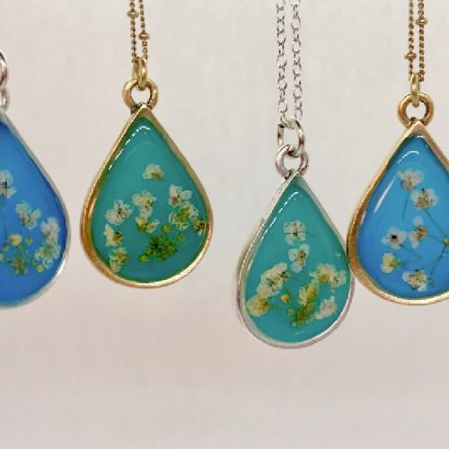 Queen Anne's Lace necklace - Antique Gold