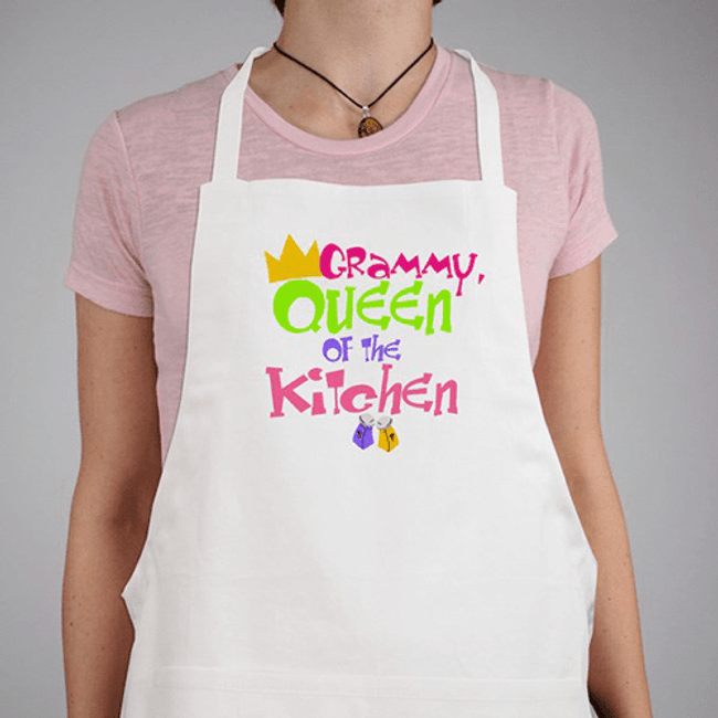 Personalized Apron for the Queen of the Kitchen in white!