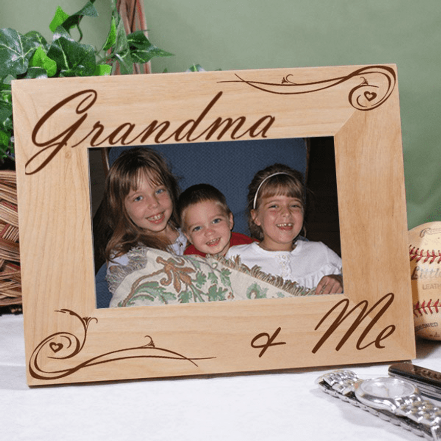 Personalized wood frame for Grandma & Me