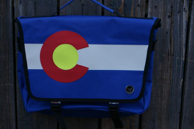 THE COLORADO MESSENGER BAG WAS MADE FOR TRAVEL