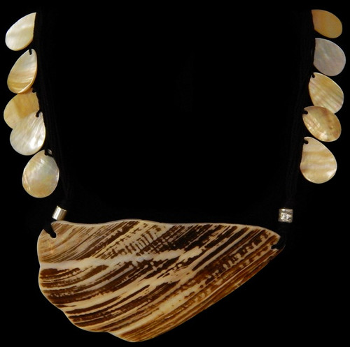 Natural Wavy Oyster Shell Natural cut Seashell Necklace 22""