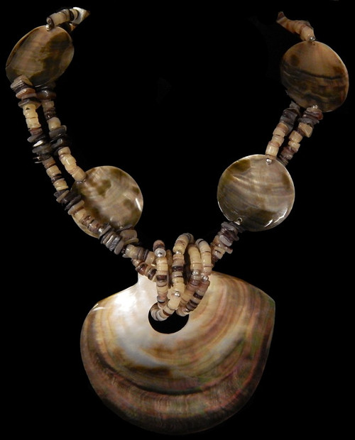Natural Blacklip polished Disks Shell round cut Necklace 18""