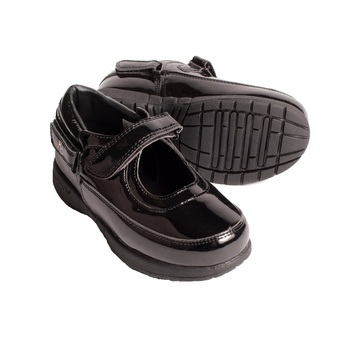 Hatchbacks Ava Girls Shoe : Patent Black: Young Kids sizes 5c-13c