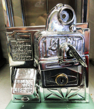 Masters Green/Beige Penny Operated Candy/Peanut Machine circa 1930's