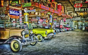 Union Oil Dealer / Row of Cars