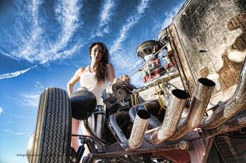 Girl / Motor