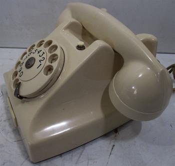 Erickson White Bakelite Table Telephone Circa 1940