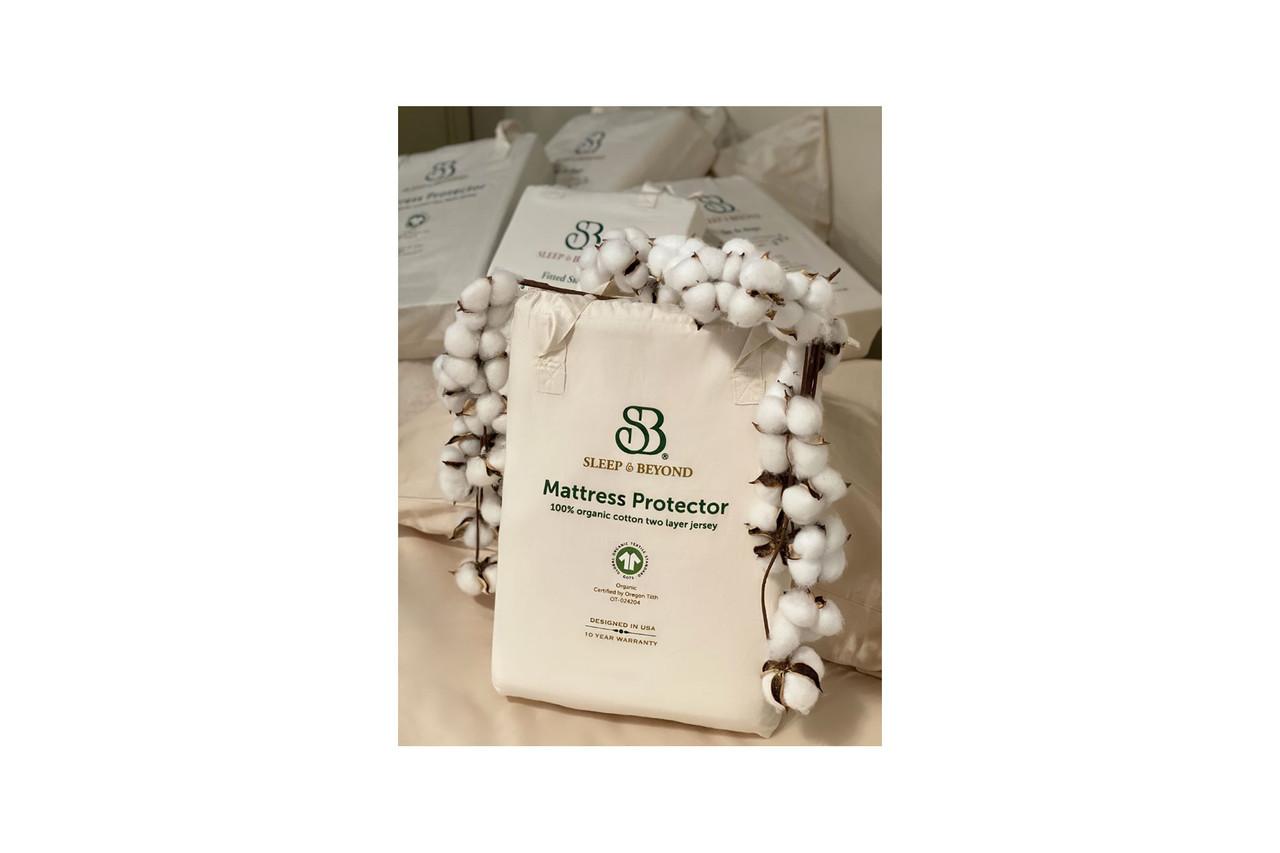 Sleep & Beyond 100% Organic Cotton Waterproof Mattress Protector Packaging