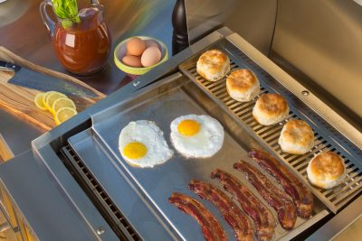 Commercial-Style Flat-Top Griddle | TEC GRILLS Accessory