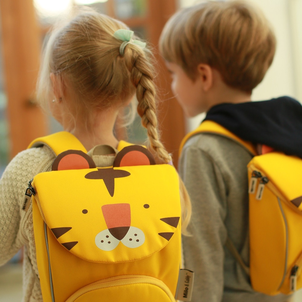 Animal Shaped Insulated Lunch Bag / Backpack with Safety Strap