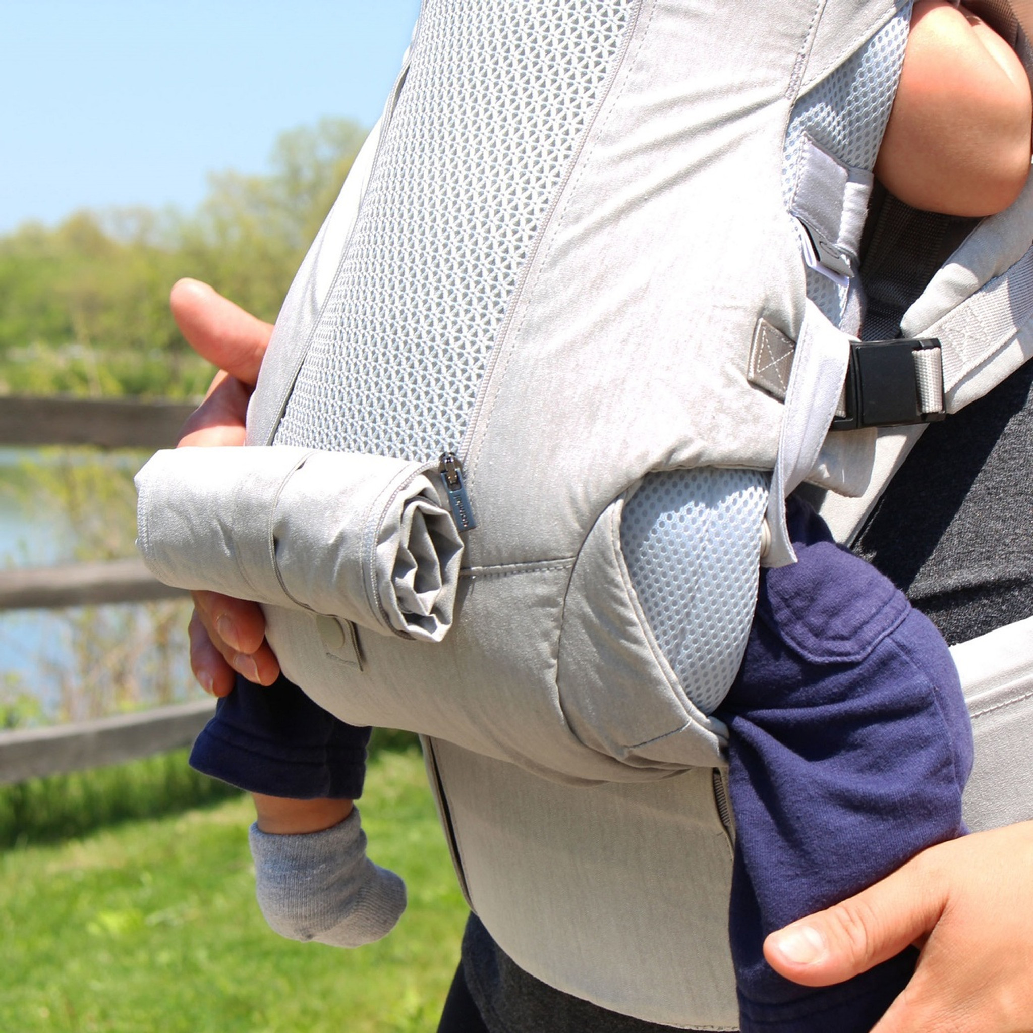 3dba3c4450b Clarmiel One Touch Magnetic Lightweight Baby and Toddler Carrier
