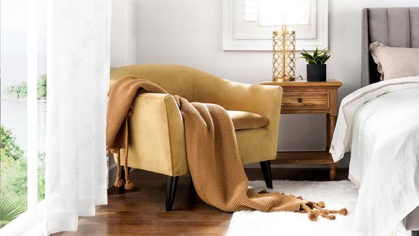 Lia Barrel Chair, Gold
