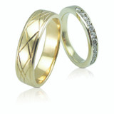 Diamond and engraved gold wedding bands