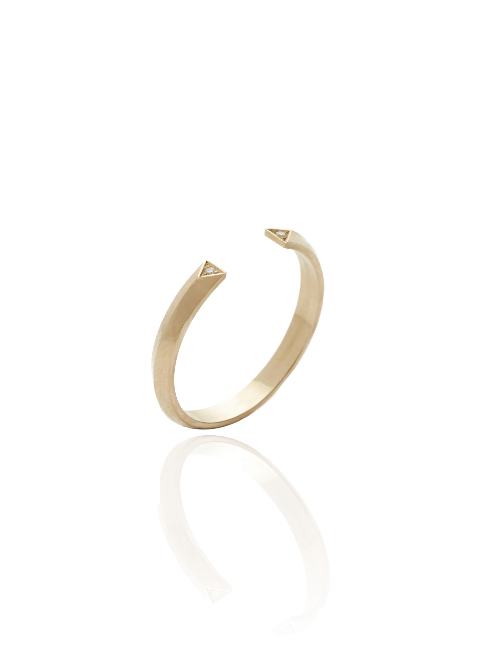 EMBRACE 9ct Gold & Diamond Ring
