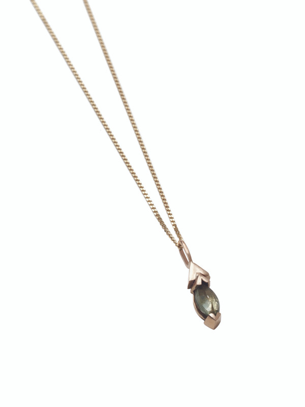 AFFINITY 9ct Gold Marquise pendant