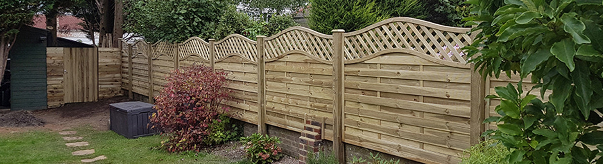 How to Erect Garden Fence Panels