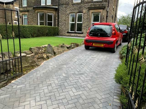Marshalls Standard Concrete Block Paving (200 x 100 x 50mm) - Charcoal
