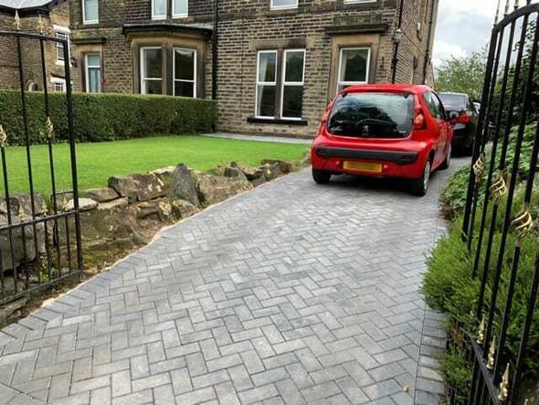 Marshalls Standard Concrete Block Paving (200 x 100 x 50mm) - Charcoal