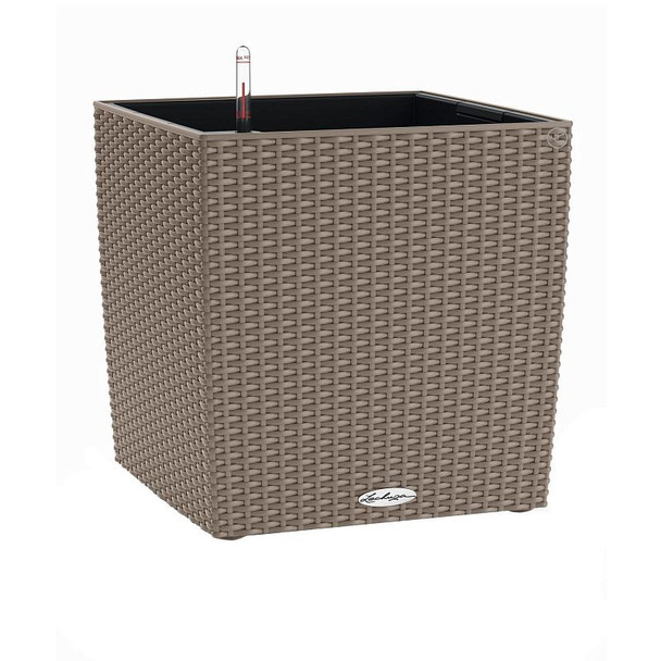 Self-Watering Wicker Polyresin Cube Planter with Substrate
