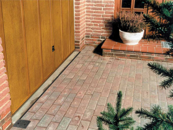 ACO HexDrain Brickslot Channel with Black Plastic Slotted Grating (1000mm)