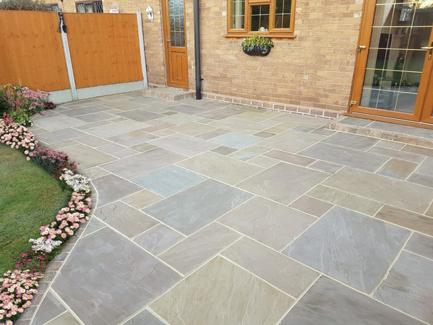 Pine Blend Sandstone Patio Paving Slabs Project Pack (20.78sqm)
