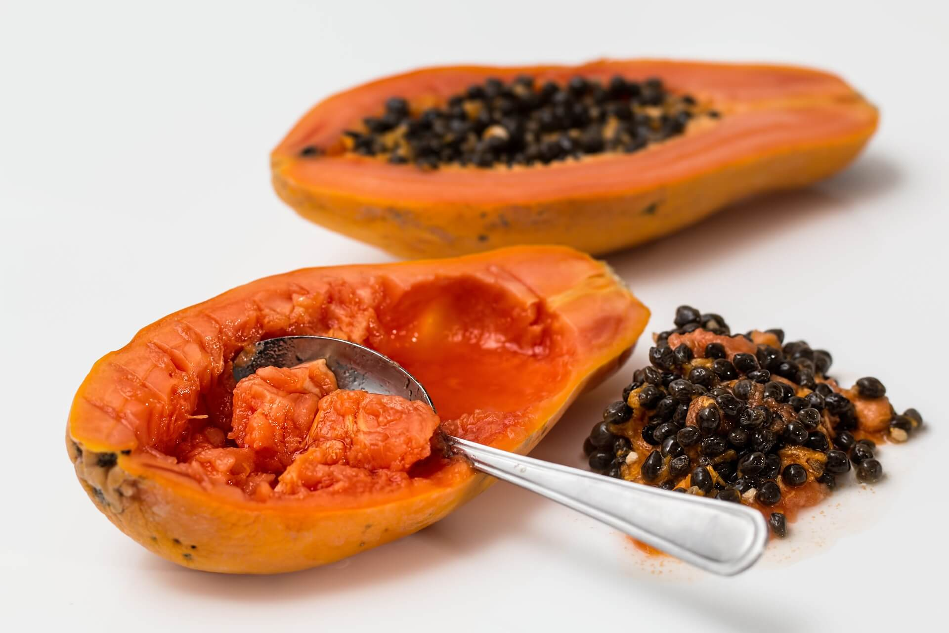 LoryNectar made with Papaya, low in Iron.