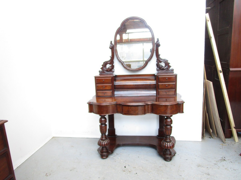 Scottish Victorian Burr-Walnut Dressing Table