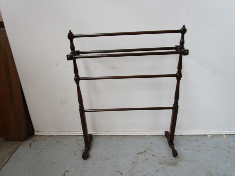 Excellent condition Cedar towel rail