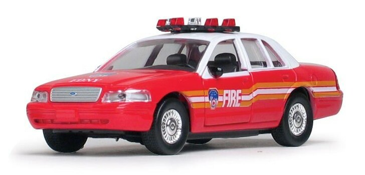 Daron NY Fire Department Fire Chief Car 143 Scale Diecast Model by Daron 10021FX