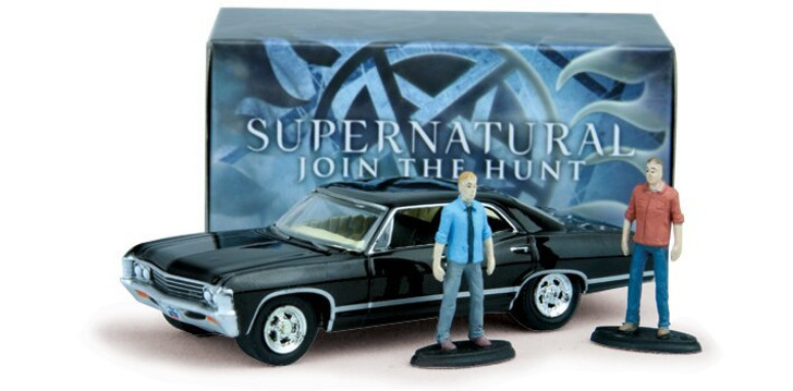 Greenlight Supernatural Impala with Sam and Dean Figures 164 Scale Diecast Model by Greenlight 18680NX