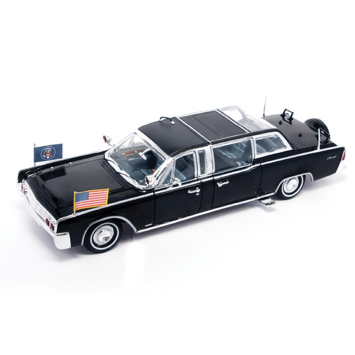Road Signature 1961 Lincoln - Quick Fix Presidential Limo 124 Scale Diecast Model by Road Signature 20385NX 888693100715