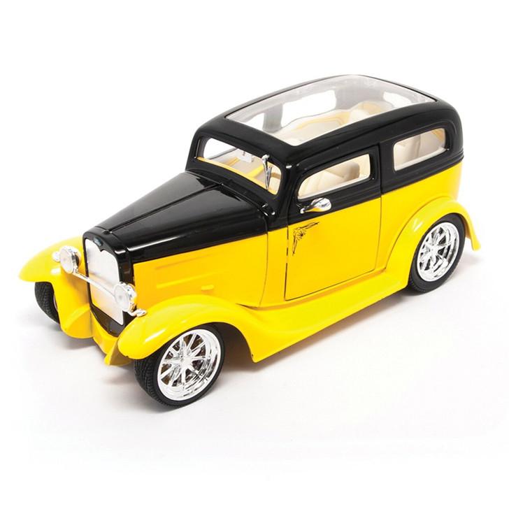 Road Signature 1931 Ford Model A Custom - Yellow 118 Scale Diecast Model by Road Signature 20436NX