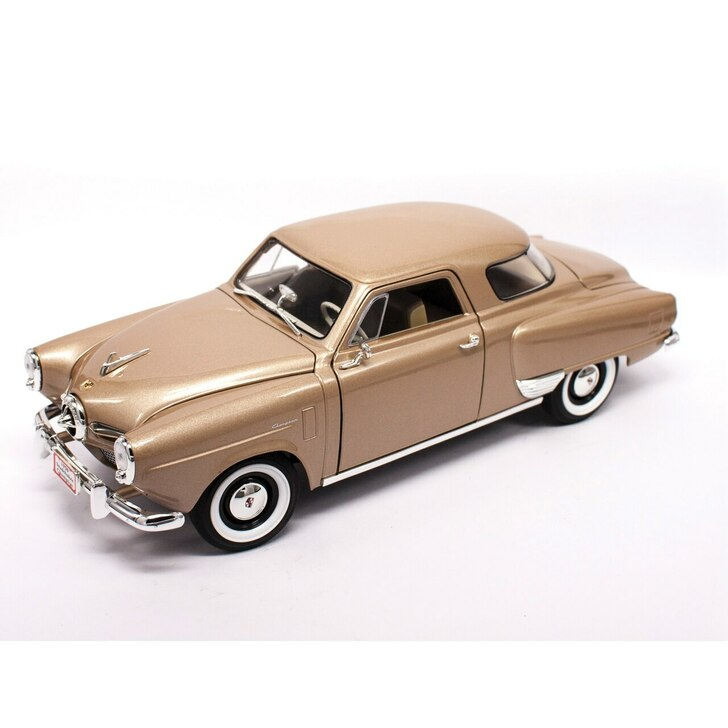 Road Signature 1950 Studebaker Champion - Gold 118 Scale Diecast Model by Road Signature 20428NX
