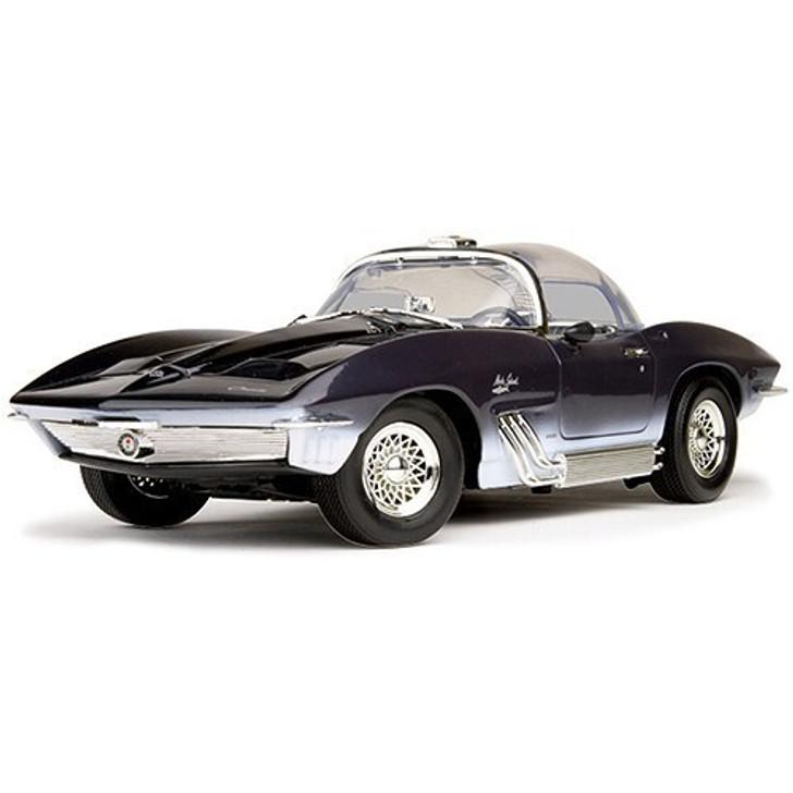 Motormax 1961 Mako Shark 118 Scale Diecast Model by Motormax 10155CM 661732731022