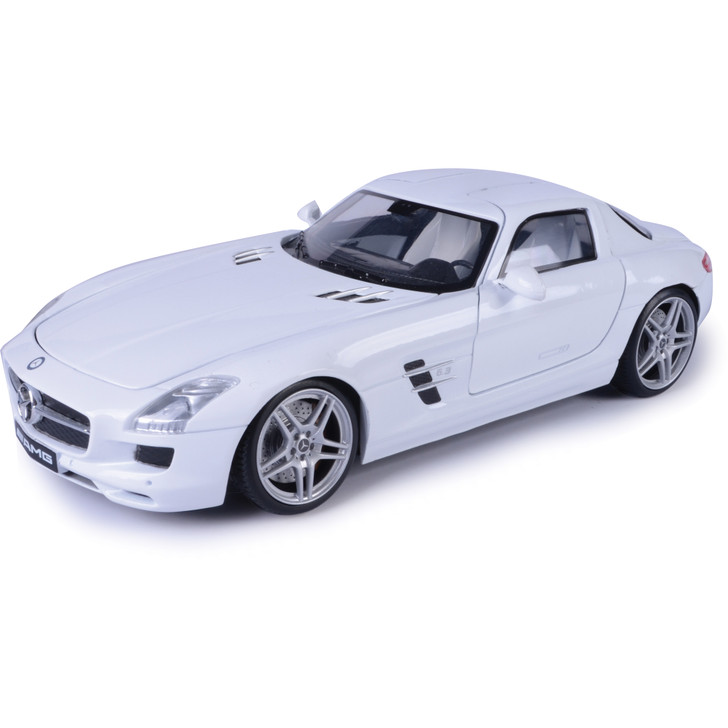 Mercedes SLS AMG - White 1:18 Scale Diecast Model by Motormax Main Image
