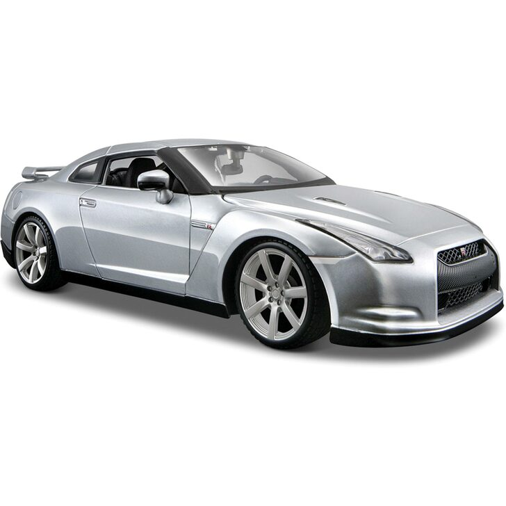 2009 R35 Nissan GT-R - Silver 1:24 Scale Diecast Model by Maisto Main Image
