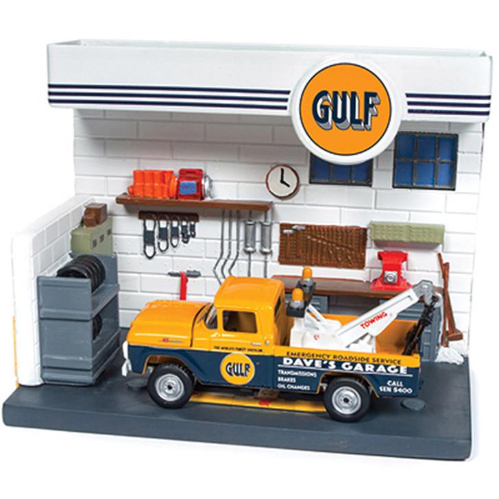 Gulf Garage Diorama & 1959 Ford F-250 Tow Truck Main Image