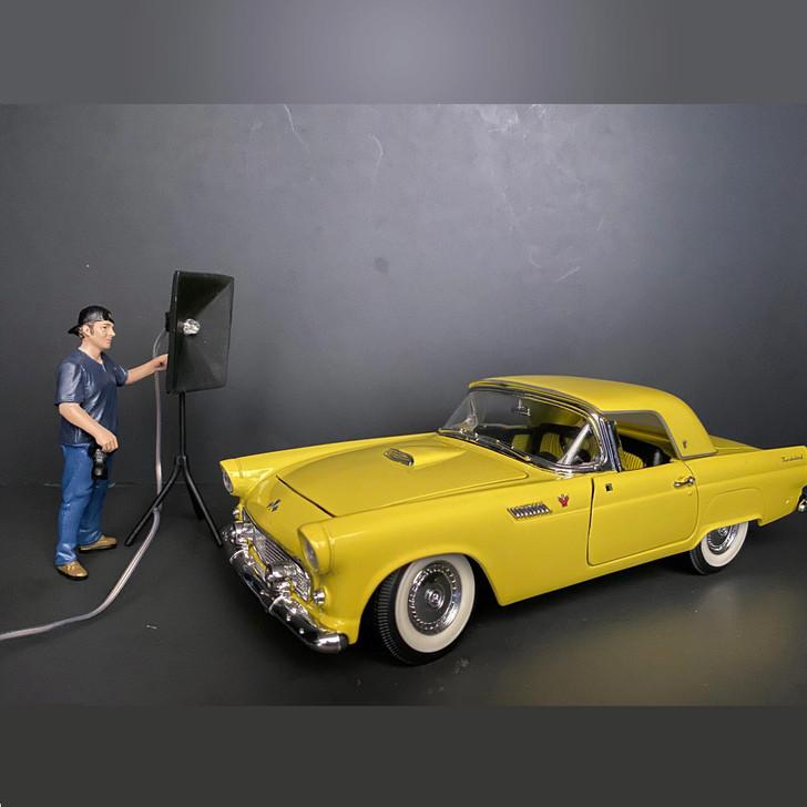 Weekend Car Show - V Main Image