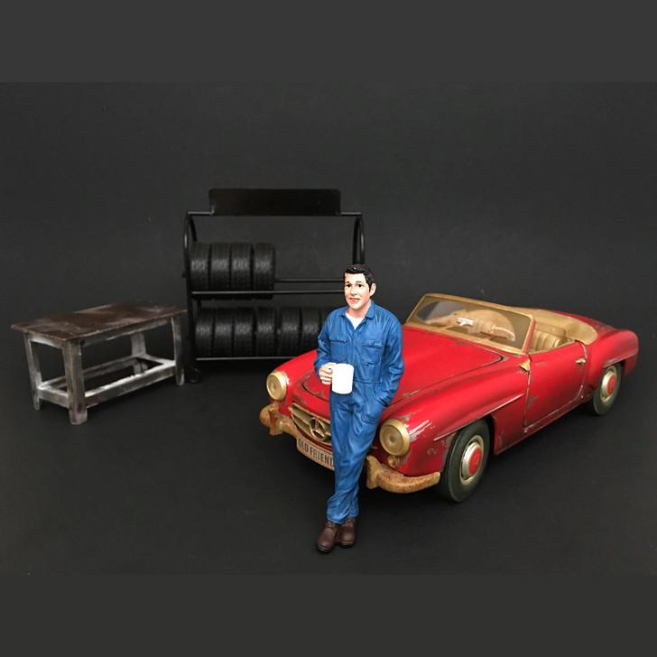 Mechanic - Larry Taking break Main Image