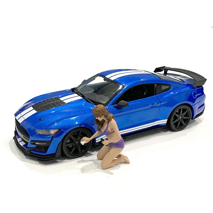 1:18 Bikini Car Wash Girl - Alisa 1:18 Scale Diecast Model by American Diorama Main Image