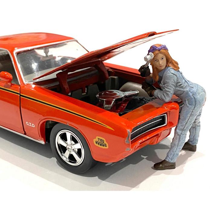 1:24 Retro Female Mechanic - I 1:24 Scale Diecast Model by American Diorama Main Image