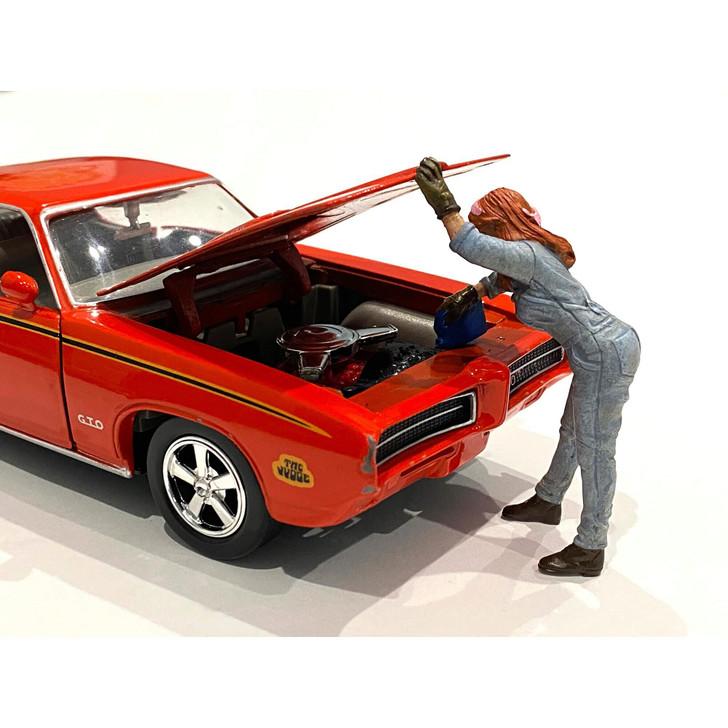 1:24 Retro Female Mechanic - II 1:24 Scale Diecast Model by American Diorama Main Image