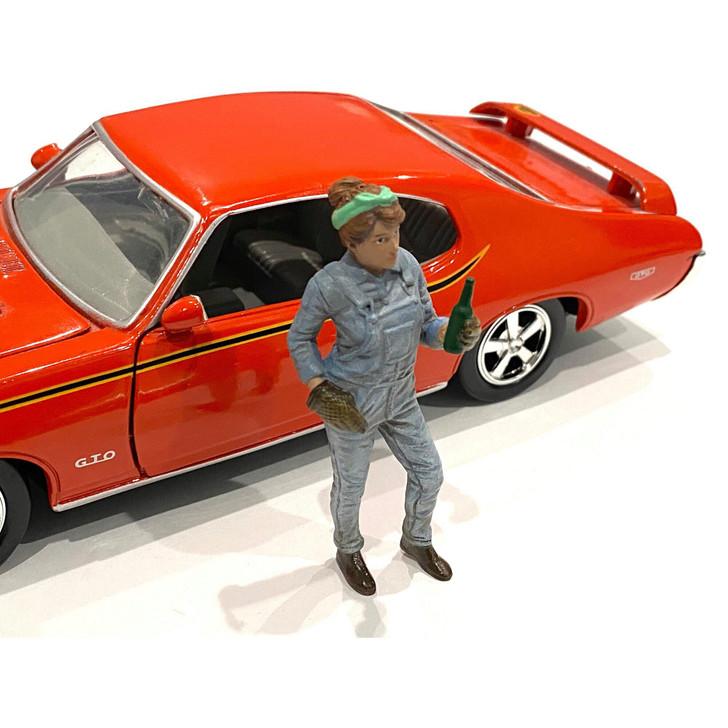 1:24 Retro Female Mechanic - IV 1:24 Scale Diecast Model by American Diorama Main Image