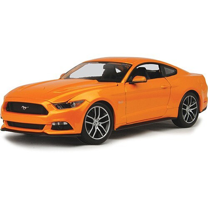 Maisto 2015 Ford Mustang GT 118 Scale Diecast Model by Maisto 18639NX