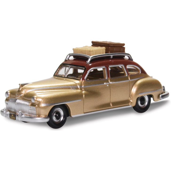 1946-48 DeSoto Suburban - Rhythm Brown / Trumpet Gold (with luggage) 1:87 Scale Diecast Model by Oxford Diecast Main Image