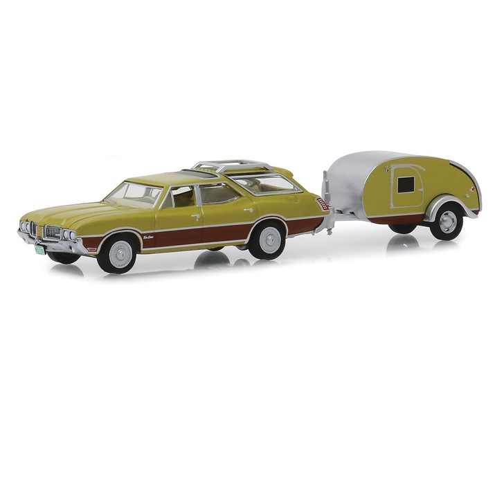 Greenlight 1971 Olds Vista Cruiser and Teardrop Trailer 164 Scale Diecast Model by Greenlight 19512NX