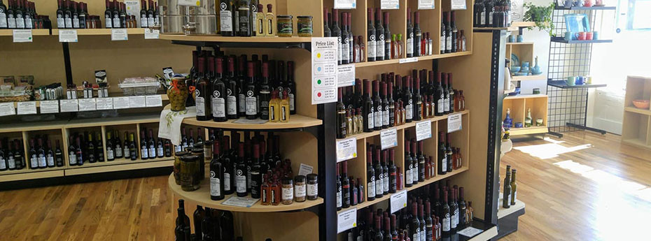 Experts Suggest This Gondola Shelving System for Specialty Foods
