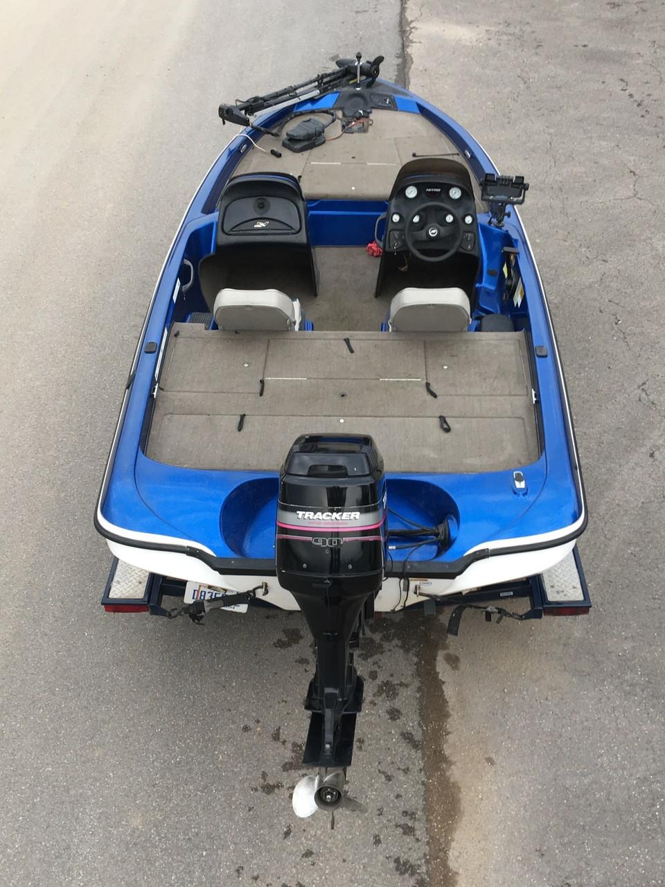 2003 Tracker Nitro NX750 17' Bass Boat w/Mercury 90 HP Motor and Trailer