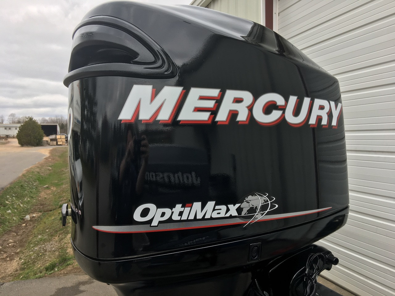 "2006 Mercury 150 HP Optimax V6 DFI 2 Stroke 25"" Counter Rotation Outboard Motor"