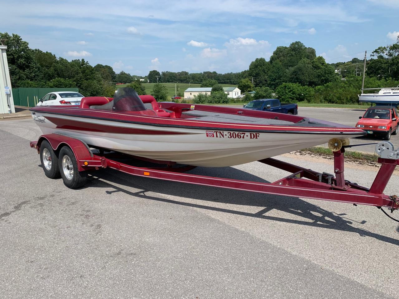 2001 Sprint 297 Pro 19' Fiberglass Bass Boat with Tandem Axle Trailer
